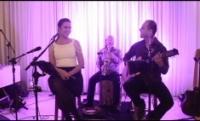Bia Barros - Trio Acústico - Música ao vivo em Santa Catarina